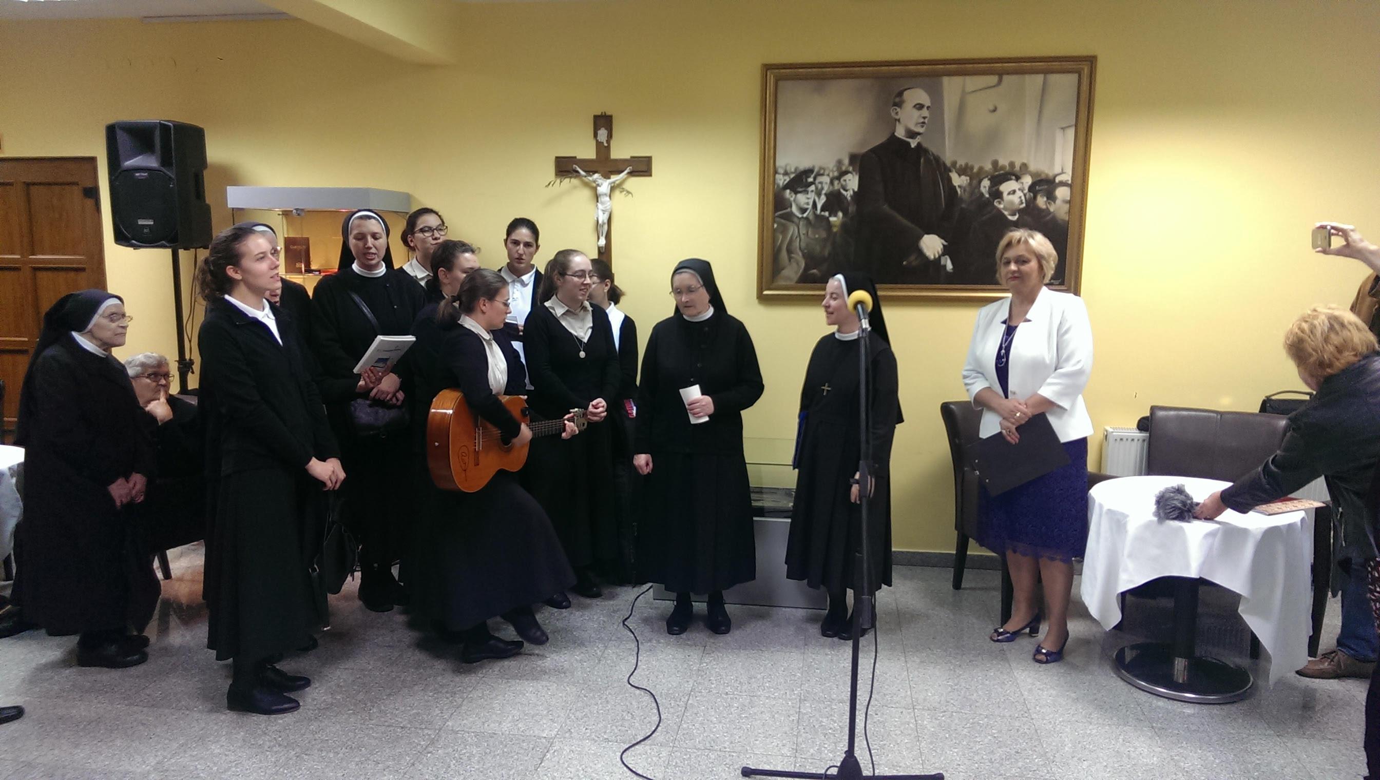 Nastup zbora kandidatica sestara sv. Križa u Županji 07.10.2018.