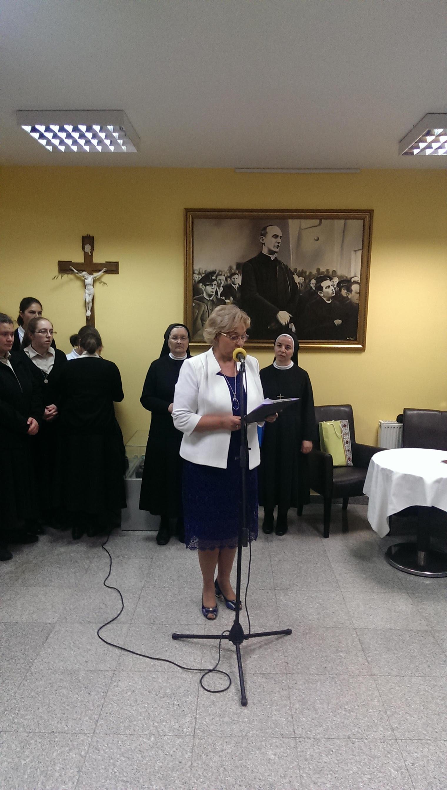 Otvorenje izložbe 150 godina zajedno o  radu časnih sestara sv. Križa u Osječko - Đakovačkoj nadbiskupiji