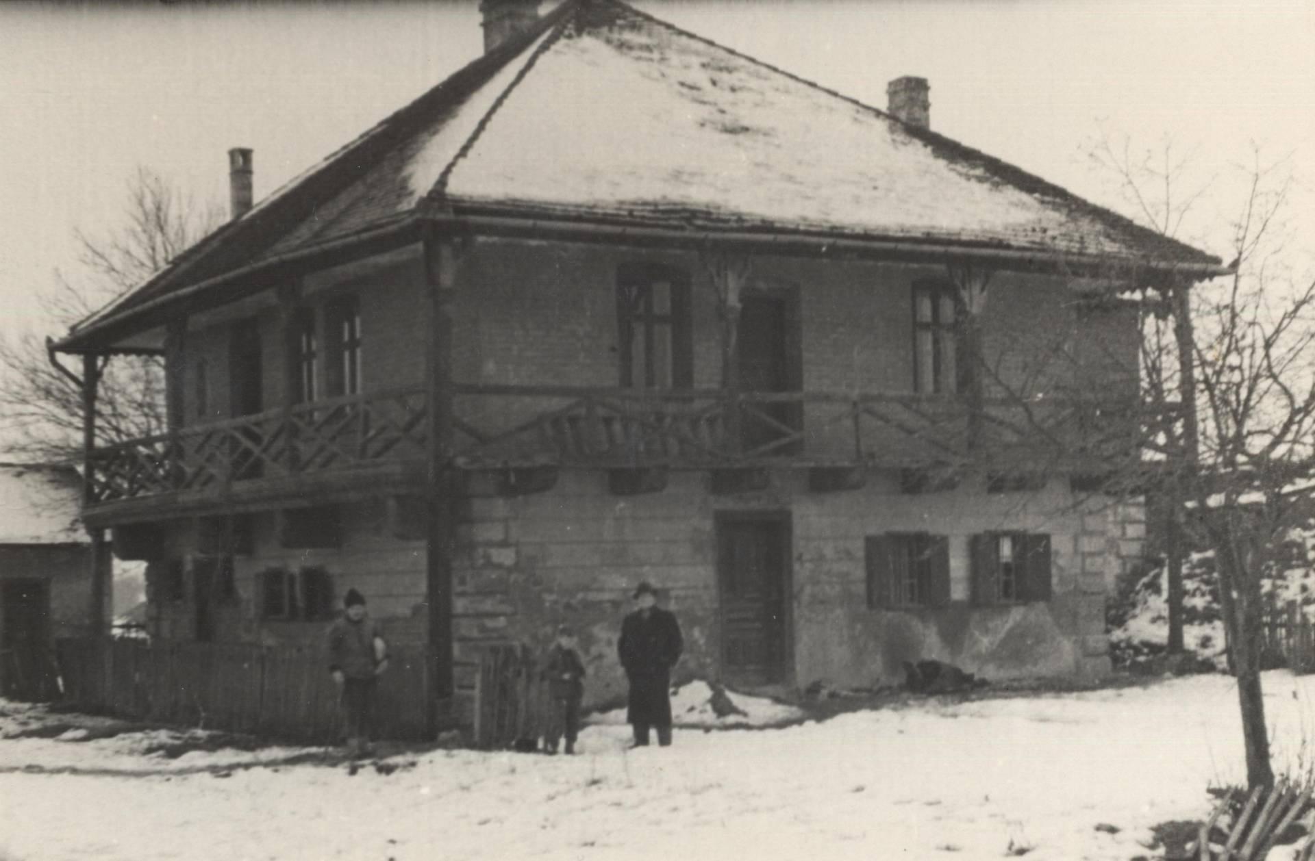 Martin Verković i Stjepan Gruber pred muzejom