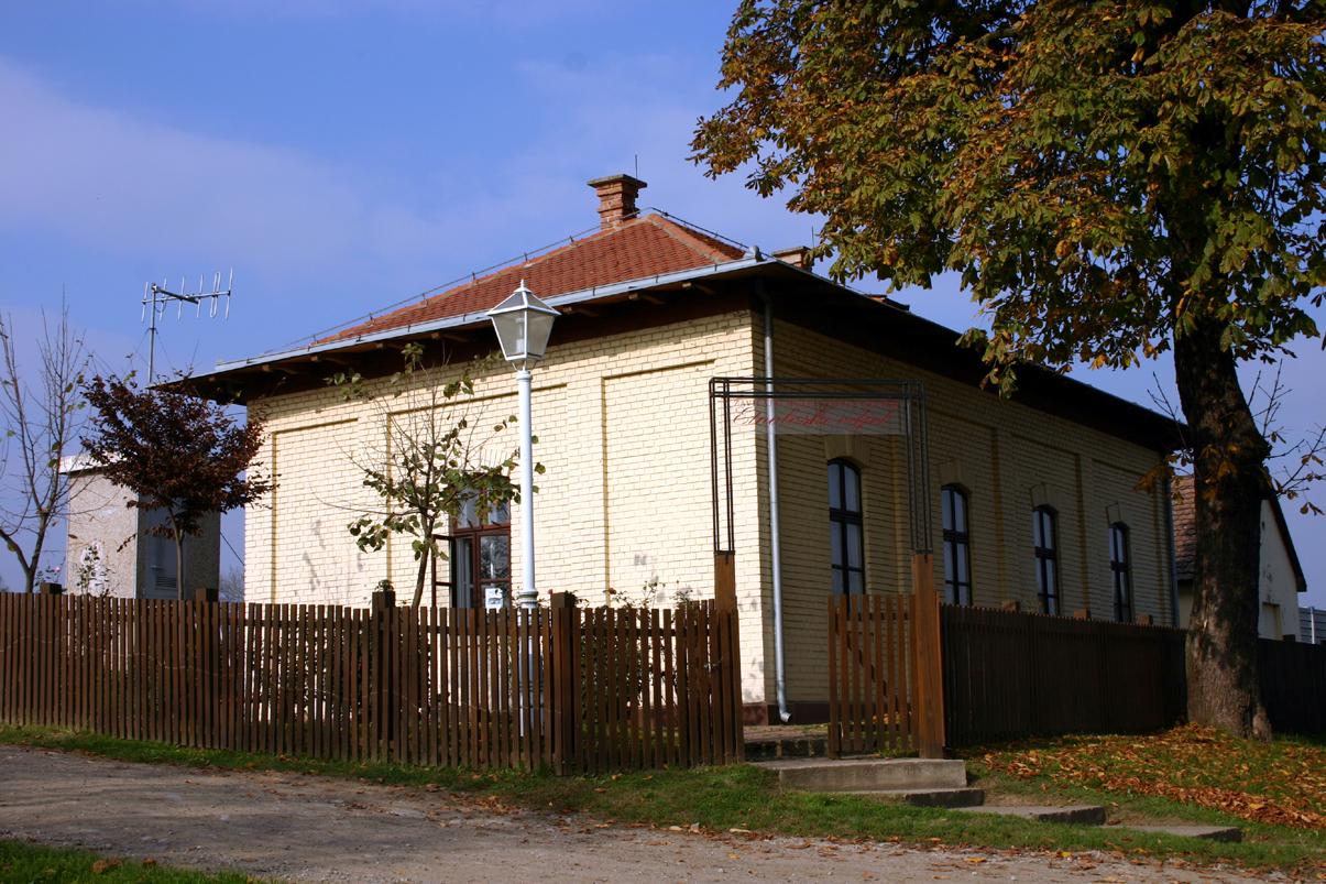 Zgrada Agencija u Županji